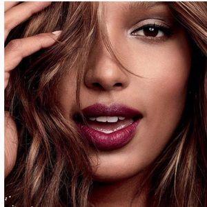 🎉5 for $25🎉 Victoria's Secret Velvet Lipstick